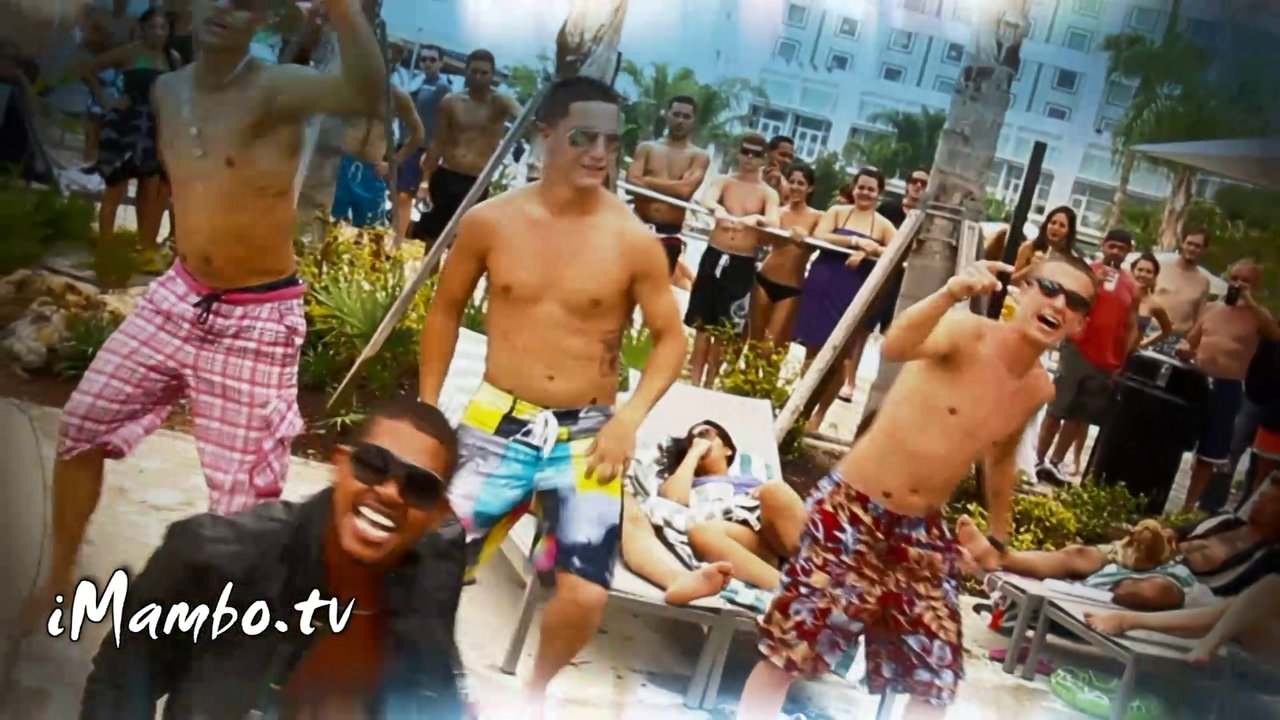 Fan Dance Video – Usher's OMG